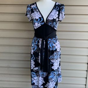 •Eyeshadow• Floral Low Double V-Neck Dress-Size Lg
